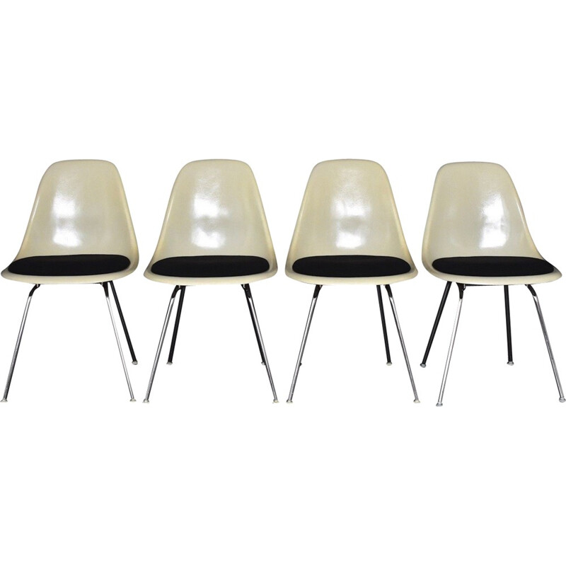 Set of 4 fiberglass side chairs by Ray & Charles Eames for Herman Miller - 1950s