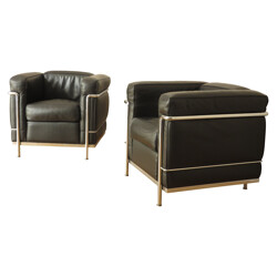 Pair of armchairs LC2 in black leather and chromed steel, LE CORBUSIER, PERRIAND et JEANNERET - 2000s
