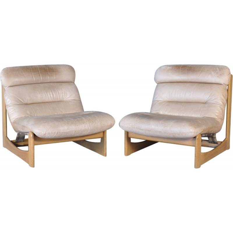 Mid Century Modern Leather Lounge Chairs   1970s