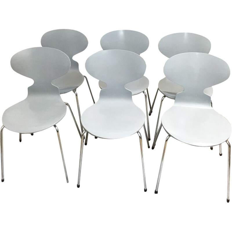 """Set of 6 """"ant"""" chairs by Arne Jacobsen for Fritz Hansen - 2000s"""