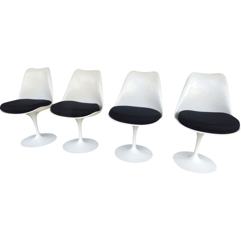 Vintage set of 4 Saarinen tulip chairs by Knoll International - 1960s