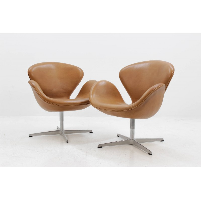Vintage Danish Swan Chair By Arne Jacobsen For Fritz Hansen 1960s Design Market