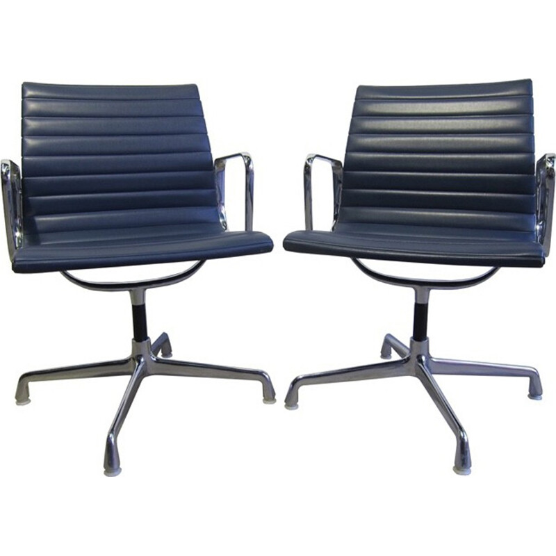 """Vintage set of 2 blue office chairs in aluminium """"EA108"""" for Herman Miller - 1970s"""