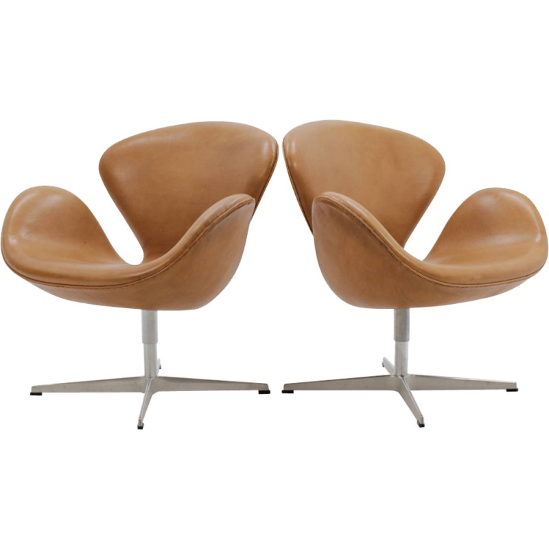 Vintage Danish Swan Chair By Arne Jacobsen For Fritz Hansen 1960s