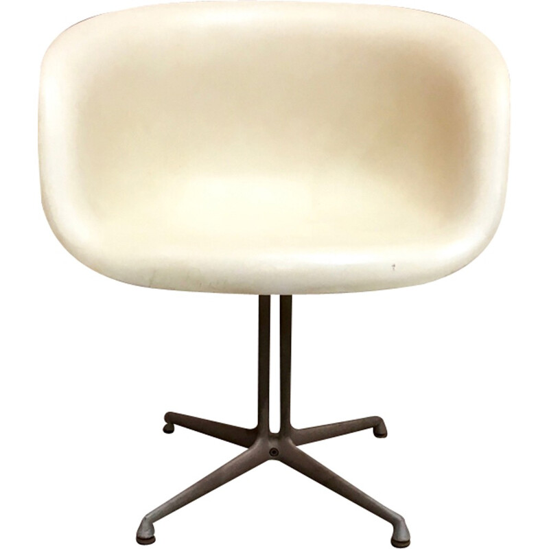 White vintage armchair by Charles, Ray Eames for Herman Miller - 1961