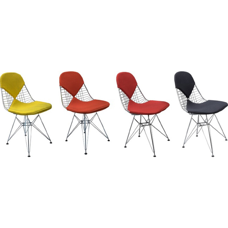 """Set of 4 """"Bikini"""" colored Chairs in leather - 1950s"""