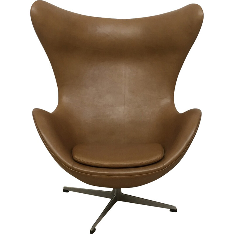 "Brown leather ""Egg chair"" by Arne Jacobsen for Fritz Hansen - 1964"