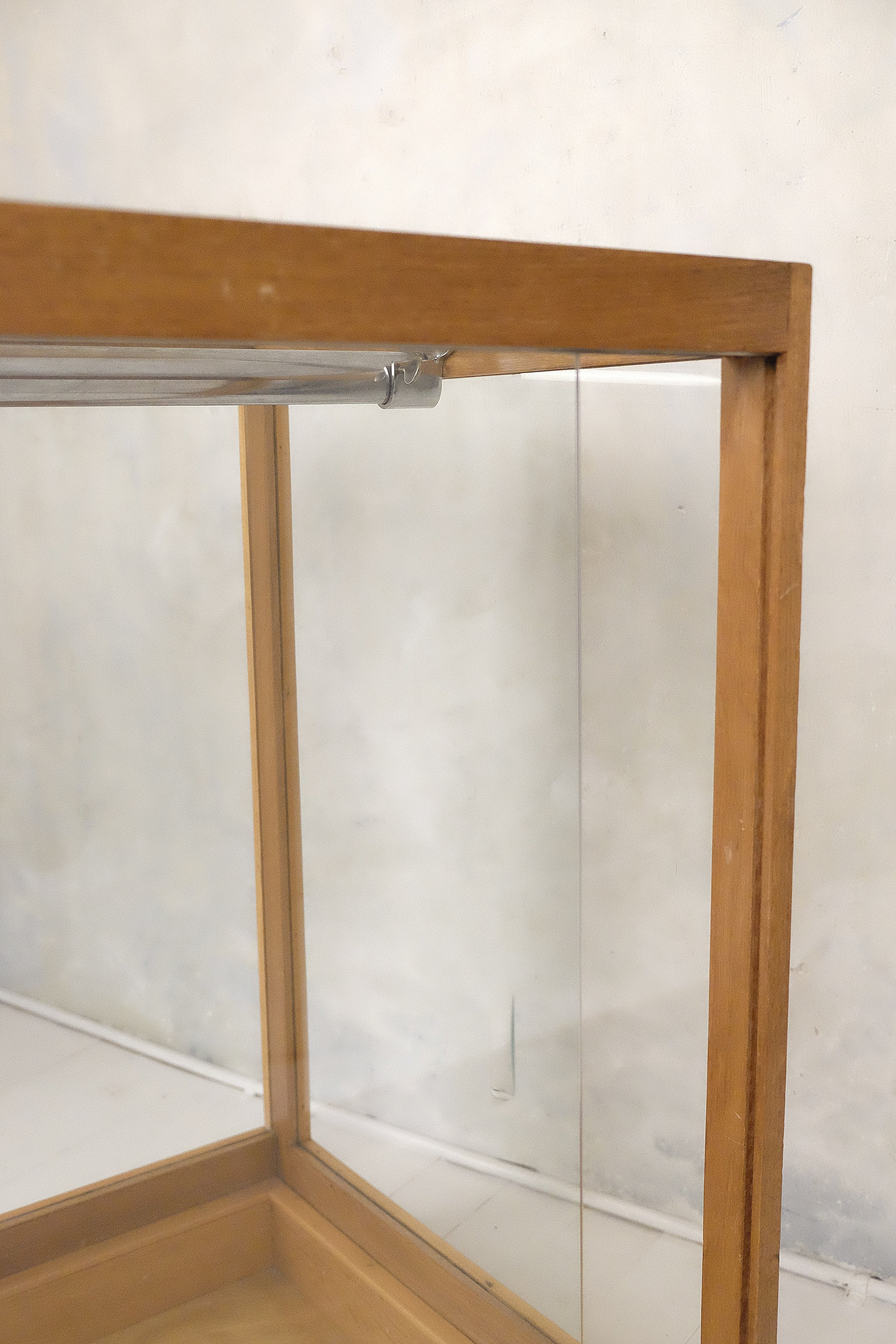 Vintage Counter With 2 Sliding Doors In The Back 1950s Design Market