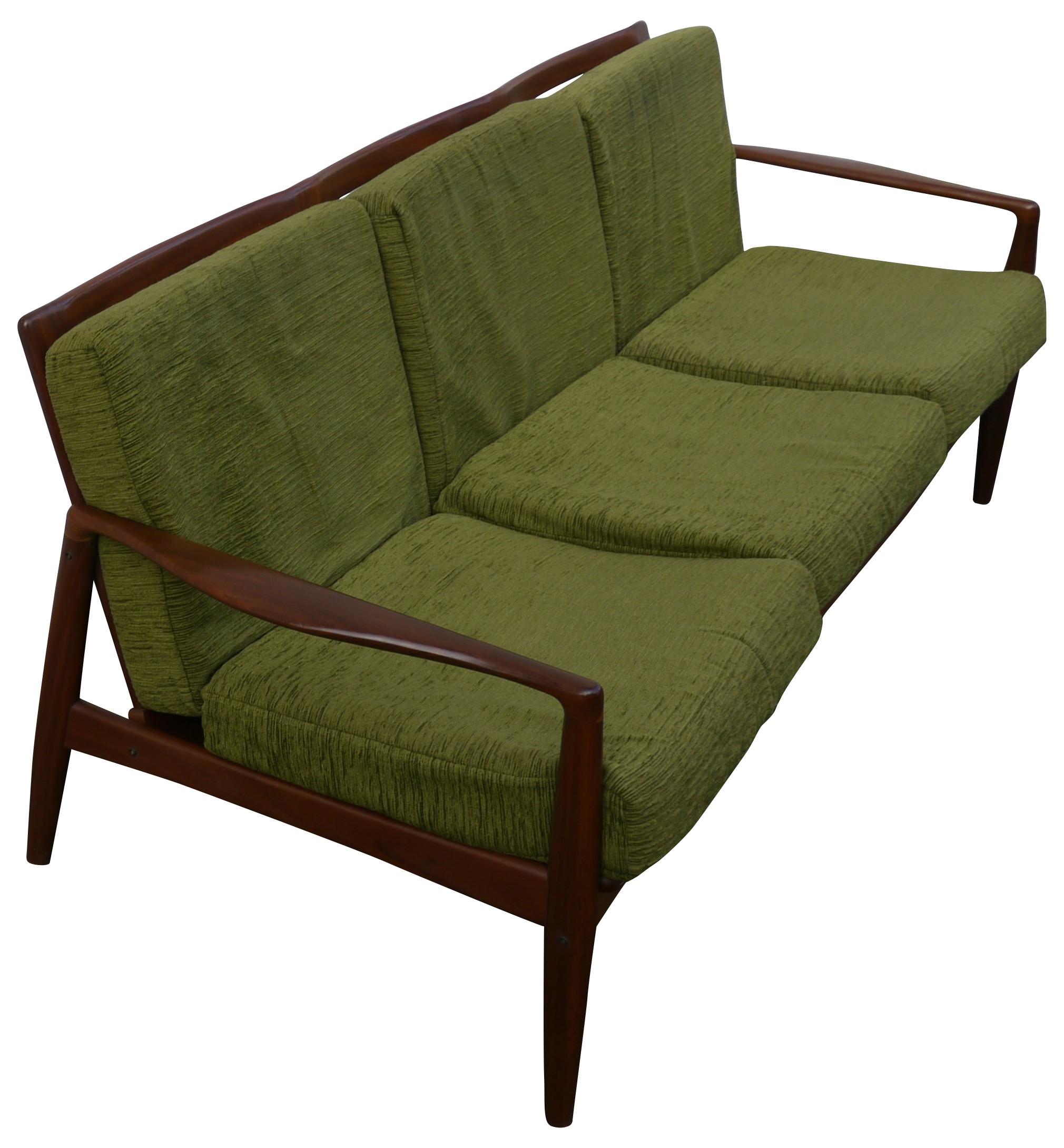 upholstery cuddle green full size saver of serta sofa sofas velvet sleeper loveseat