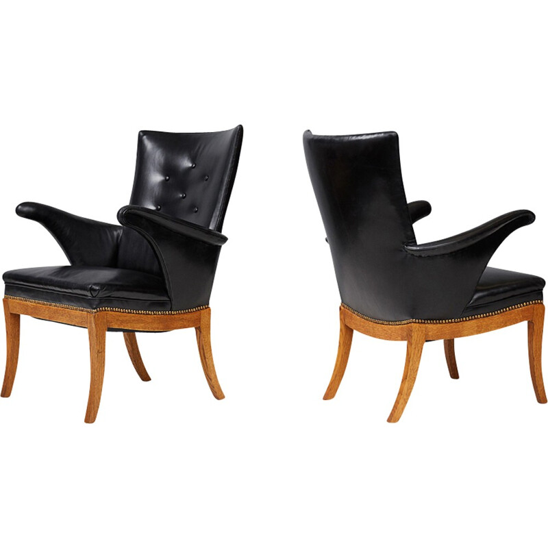 Pair of vintage armchairs in oak and leather by Frits Henningsen - 1930s