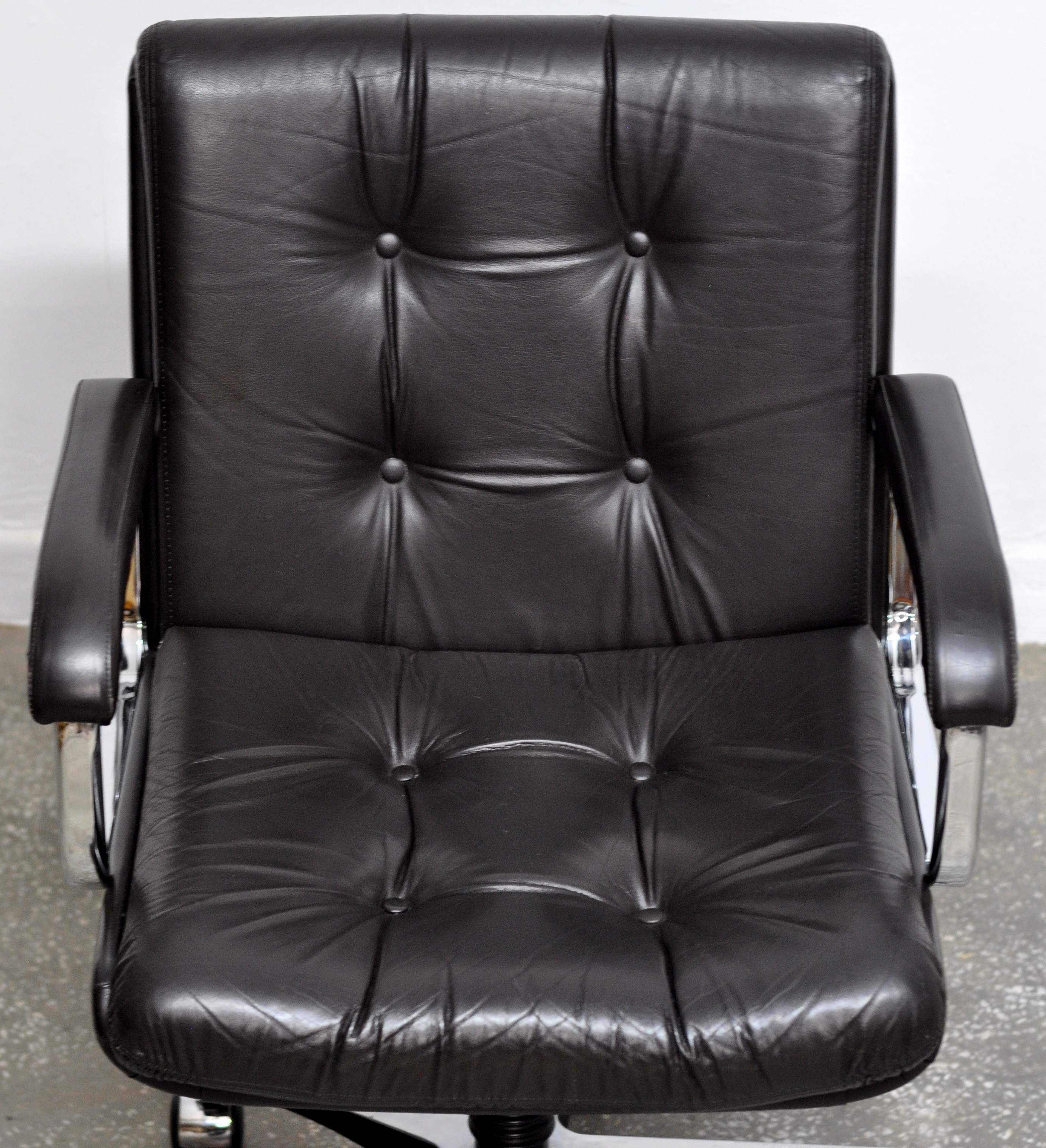 Norwegian vintage office chair Fauteuil Cuir Vintage Norwegian Office Chair From Ring Mekanikk 1960s Previous Next Epoch Furnishings Vintage Norwegian Office Chair From Ring Mekanikk 1960s Design
