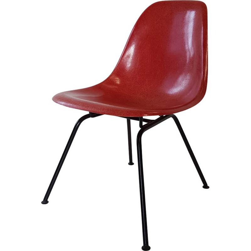Vintage red chair by Charles and Ray Eames - 1960s