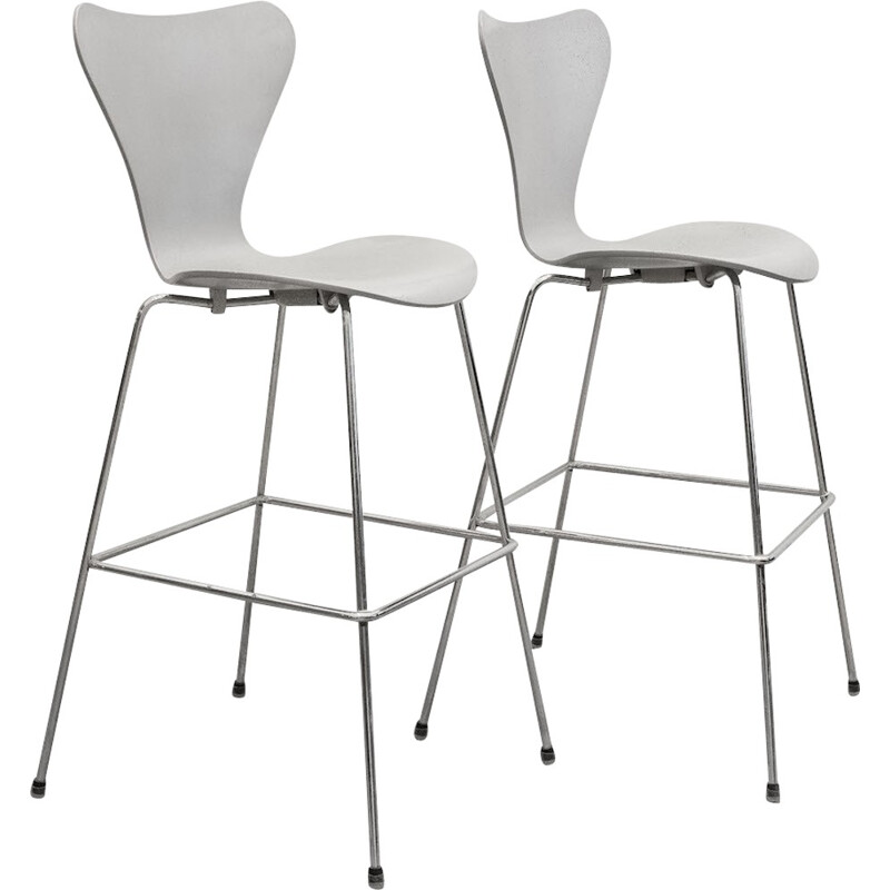 Vintage pair of silver gray lacquered bar stools by Arne Jacobsen - 2000
