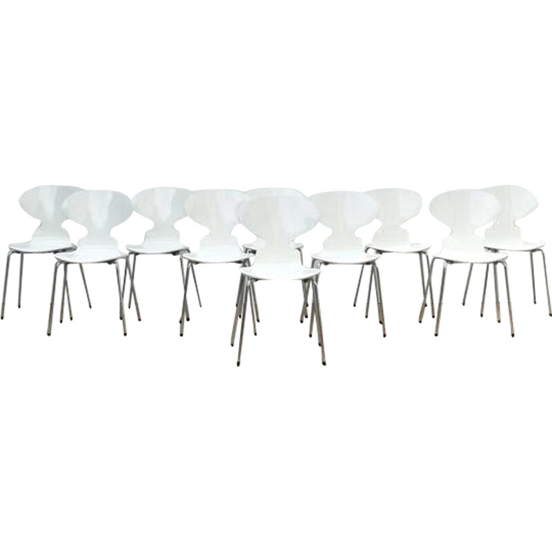 """Set of 10 scandinavian chairs """"Ant"""" by Arne Jacobsen - 1979"""