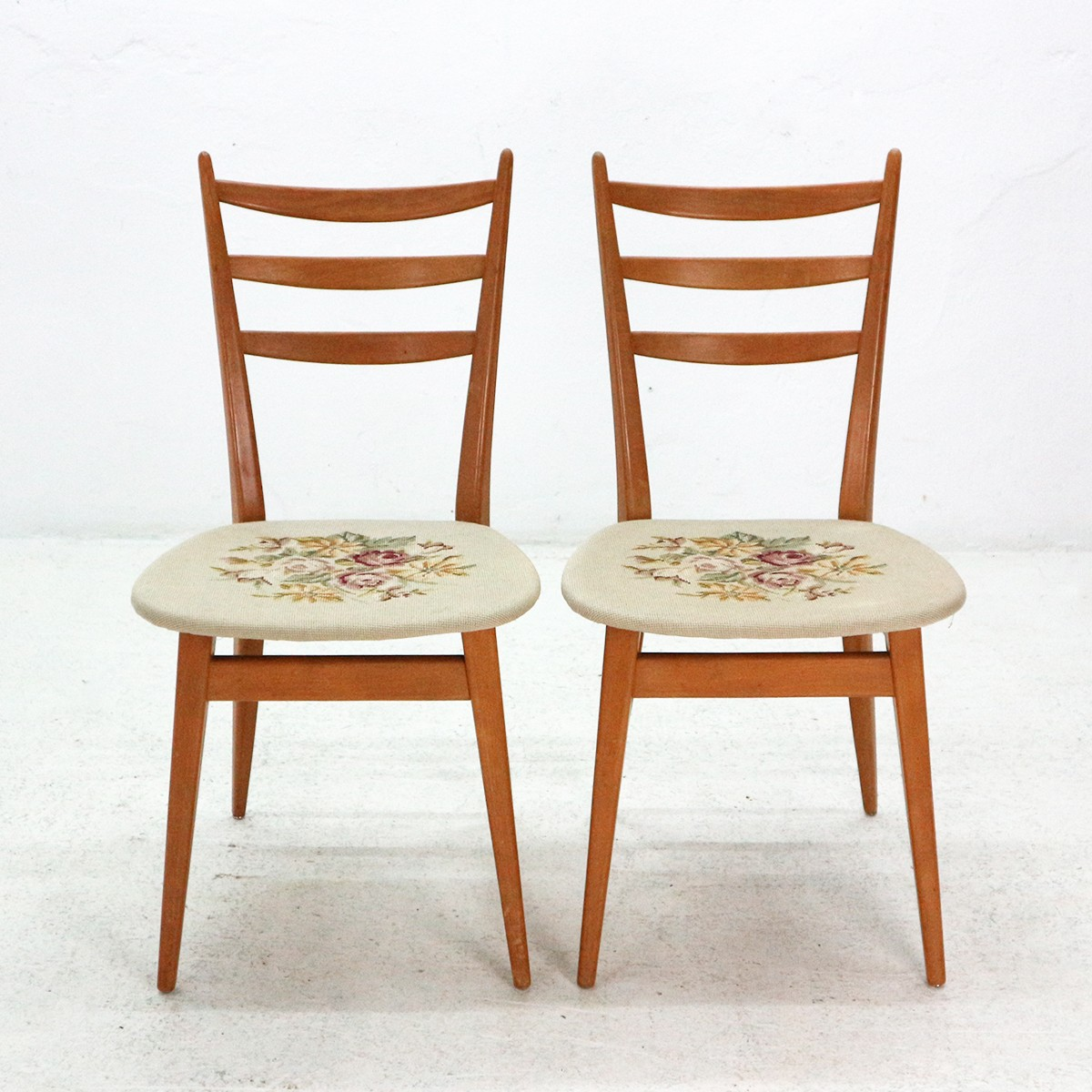 Vintage set of 2 dining chairs in beechwood with floral pattern 1950s