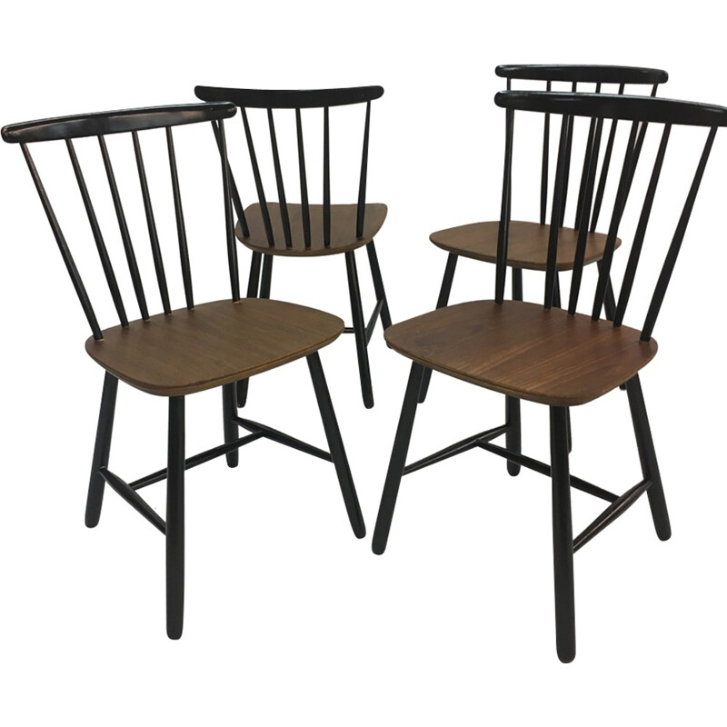 Set of 4 Vintage Scandinavian Spindle Back Dining Chairs by Ilmari Tapiovaara - 1950s