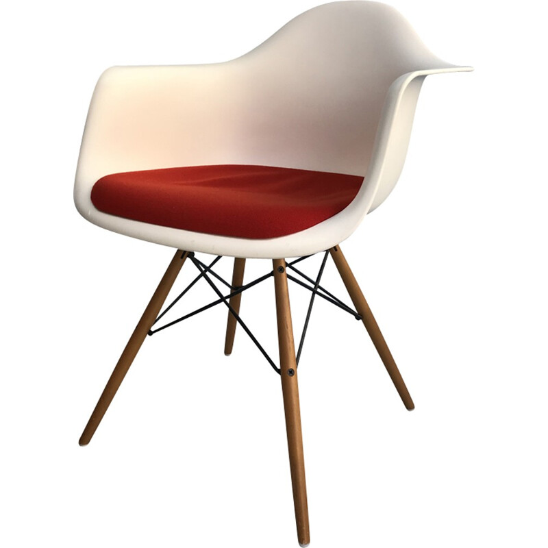 "Vintage easy chair ""DAW"" by Charles and Ray Eames - 2000s"