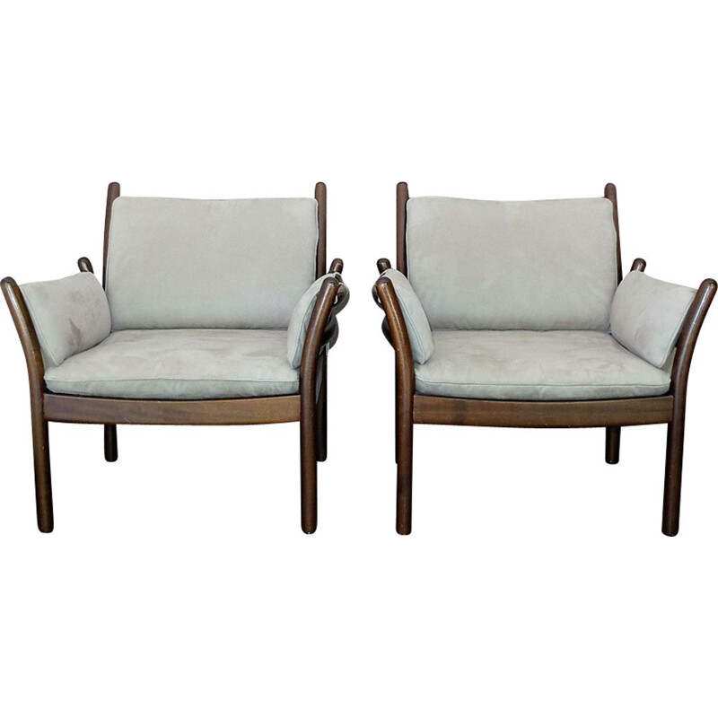 Pair of vintage scandinavian armchairs by Illum Wikkelson - 1970s