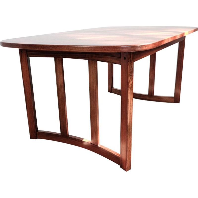 Vintage oval Danish dining table in rosewood