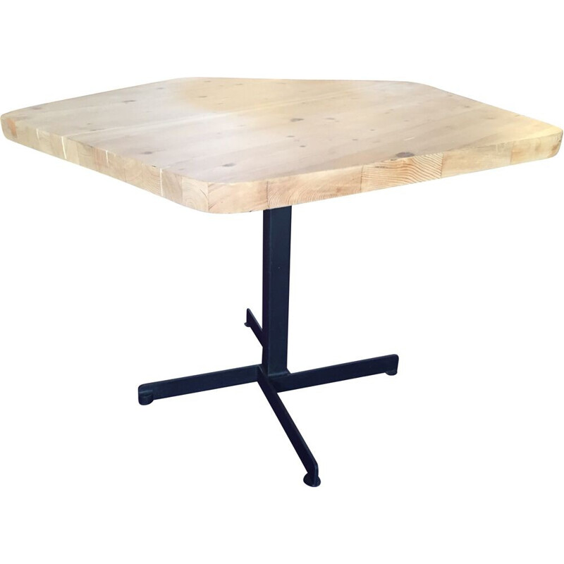 Pentagonal table in solid pine and black meta, Charlotte PERRIAND - 1960s