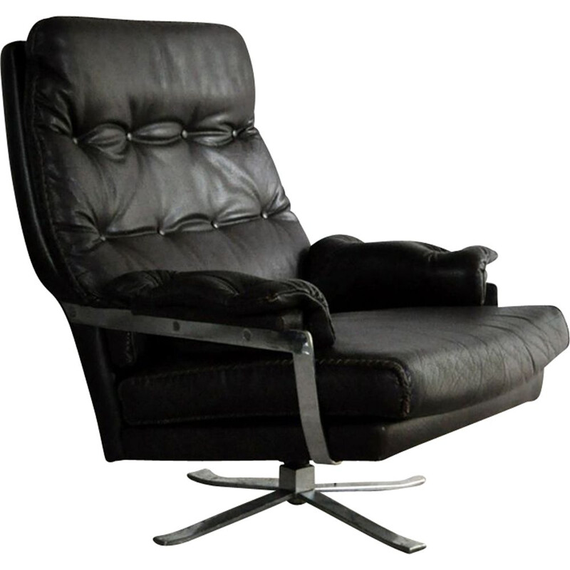 Vintage high back armchair in leather and chrome by Arne Norell