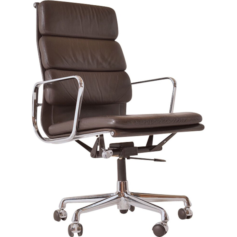"""""""EA 219"""" armchair by Charles and Ray Eames for Vitra"""