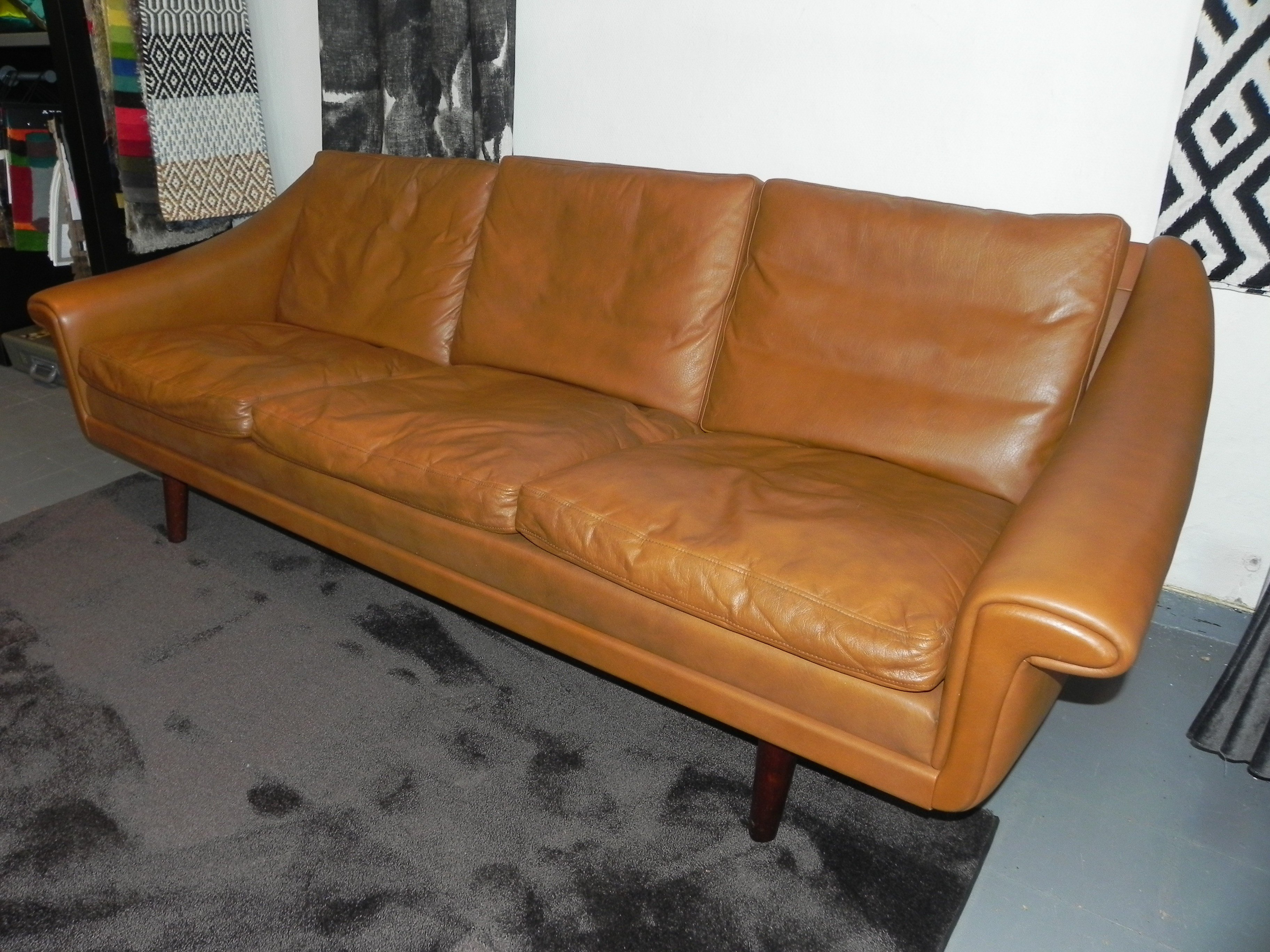 Enjoyable Scandinavian Sofa In Soft Havana Leather 1970S Machost Co Dining Chair Design Ideas Machostcouk