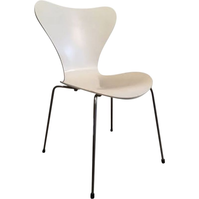 "Chair ""model 3107"" by Arne Jacobsen for Fritz Hansen"