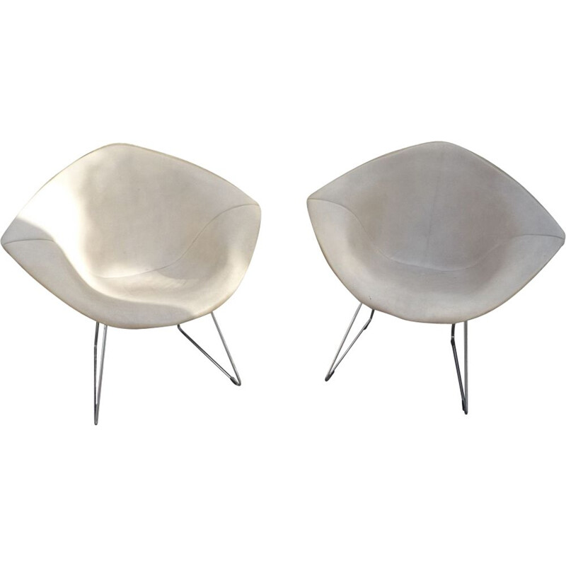 Pair of chairs by Harry Bertoia for Knoll