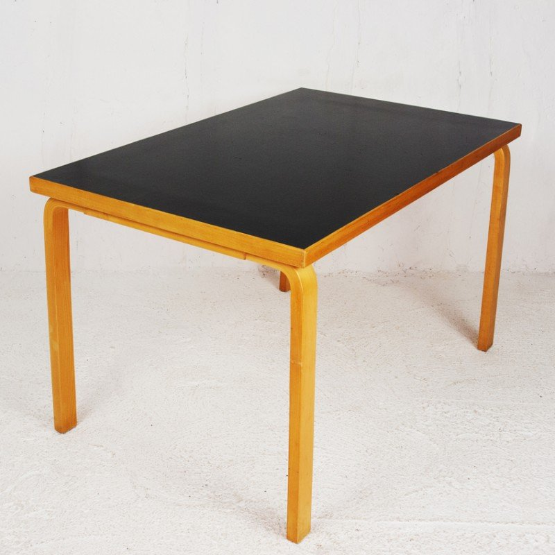 Bon Dining Table In Birchwood And Linoleum, Alvar AALTO   1930s