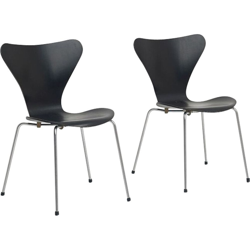 Set of 2 vintage 3107 chairs by Arne Jacobsen for Fritz Hansen