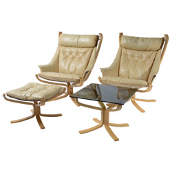 Pair of two Falcon chairs with ottoman and table, Sigurd RESSELL - 1970s