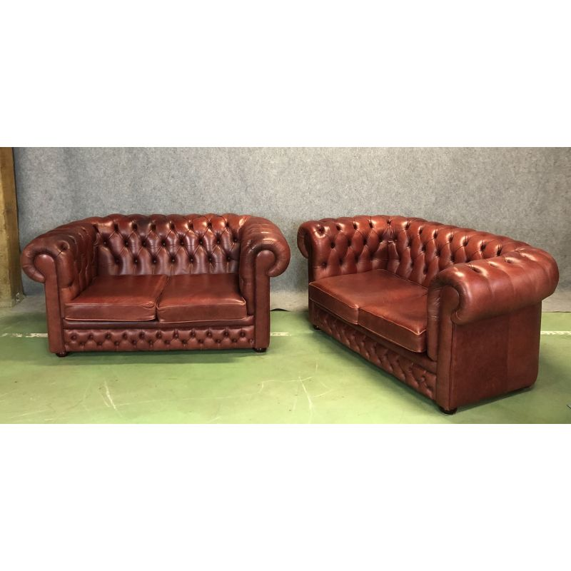 Outstanding Set Of 2 2 Seater Chesterfield Sofas In Leather Pabps2019 Chair Design Images Pabps2019Com