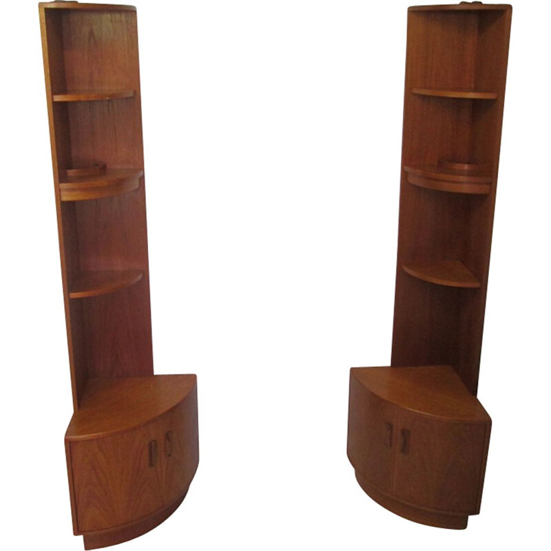 Set of 2 vintage corner cabinets in teak