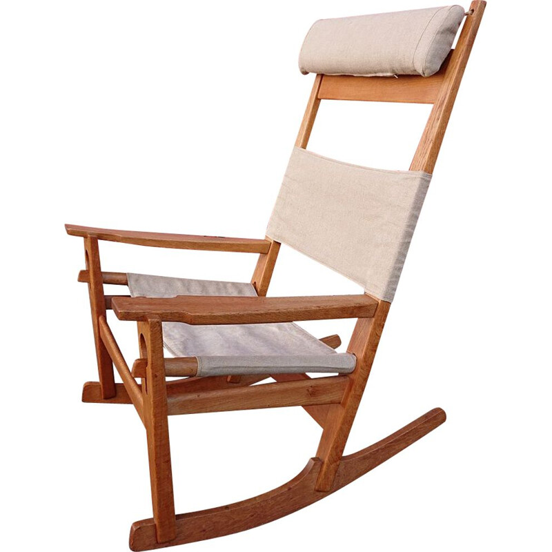 "Vintage rocking chair ""Keyhole"" by Hans Wegner"