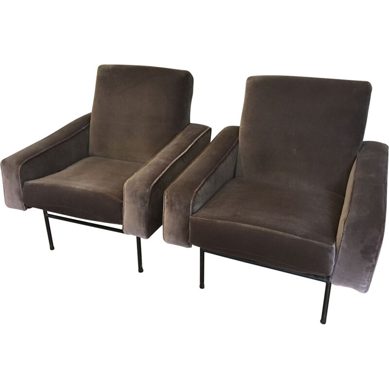 Set of 2 vintage armchairs model G10 by Pierre Guariche for Airborne