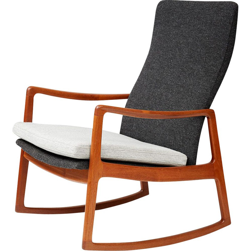 Vintage rocking chair FD-160 in teak by Ole Wanscher