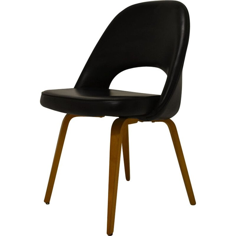 Vintage black chair by Eero Saarinen for Knoll