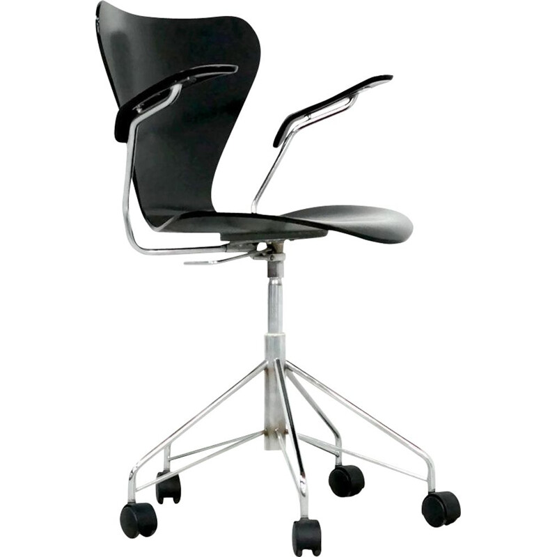 Vintage swivel desk chair by Arne Jacobsen for Fritz Hansen