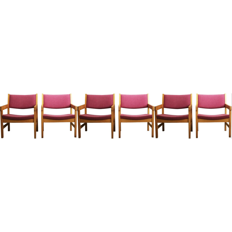 Set of 6 vintage danish chairs by Hans J. Wegner in purple beechwood