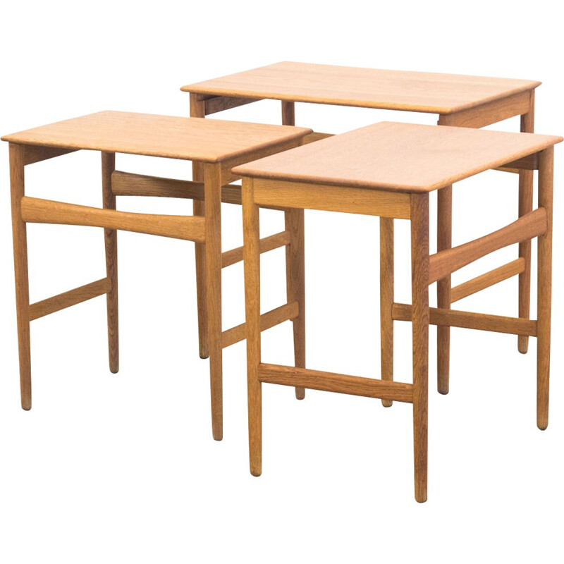 "Set of 3 vintage nesting tables ""AT-40"" in oak by Hans J. Wegner for Andreas Tuck"