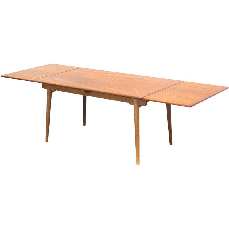 Vintage model AT-312 table by Hans J. Wegner in teak and oakwood 1950