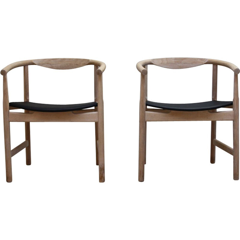 Set of 2 vintage JH-203 armchairs of Hans J. Wegner in oak and leather 1960