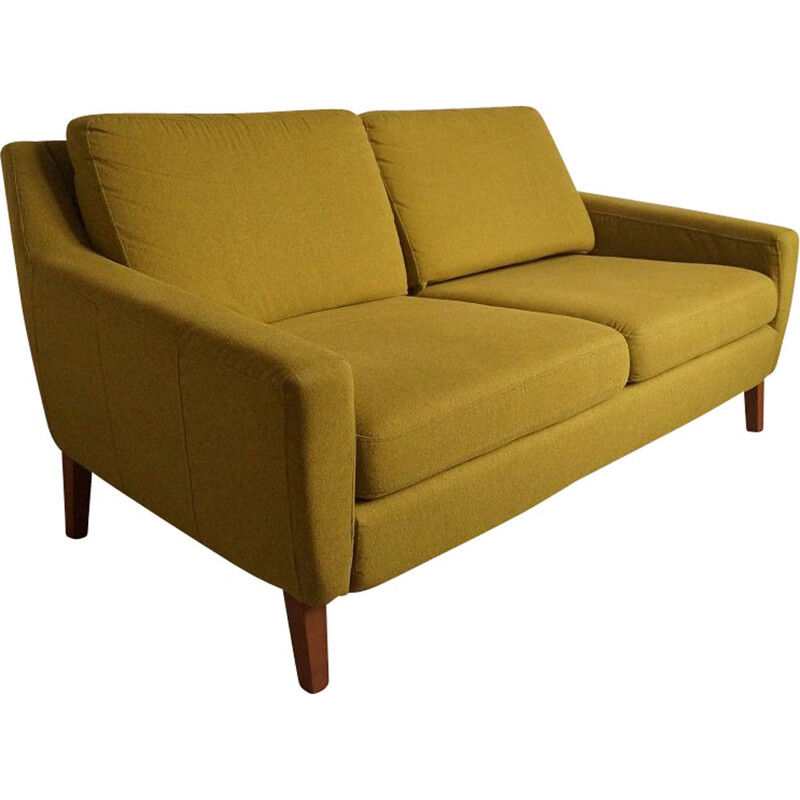 Vintage sofa in green fabric