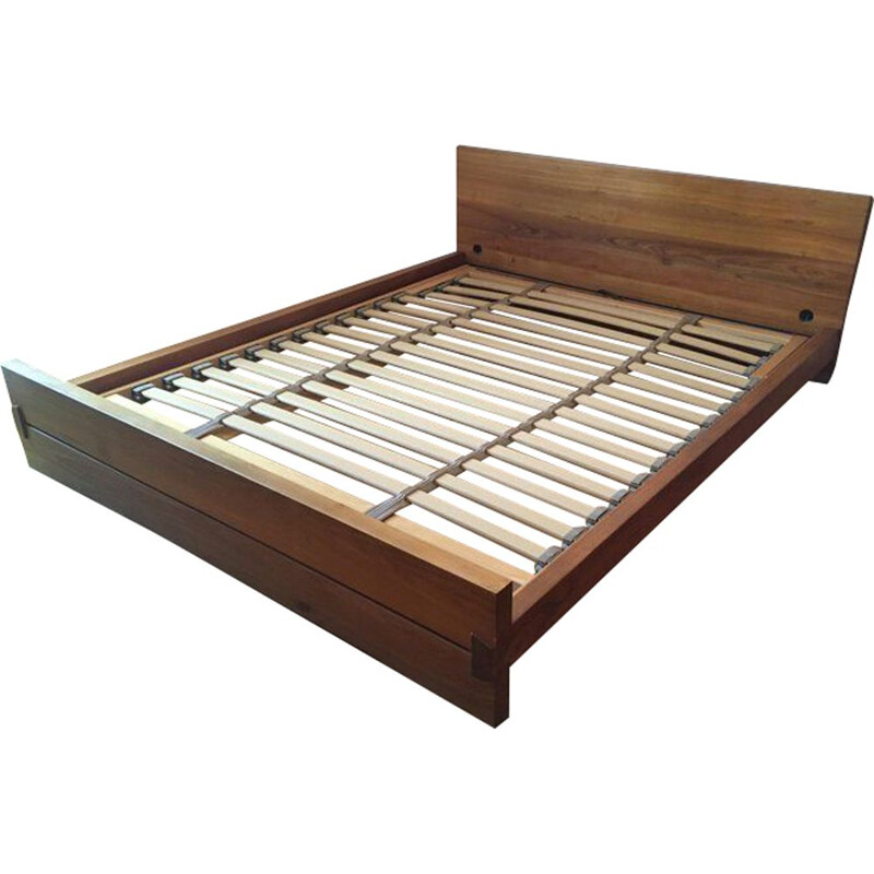 Vintage L02 bed in elm by Pierre Chapo