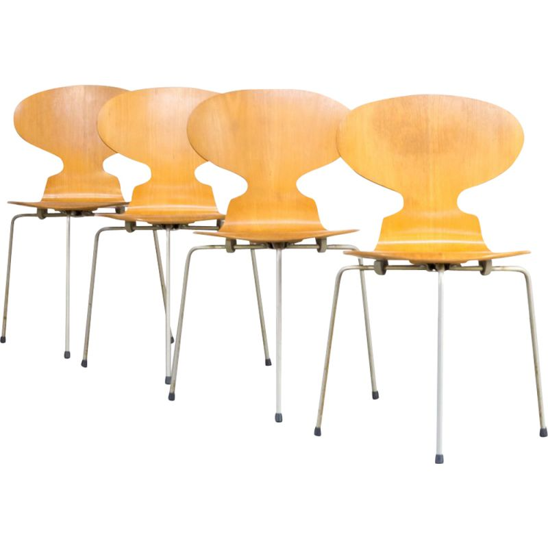 Set of 4 Ant chairs by Arne Jacobsen for Fritz Hansen