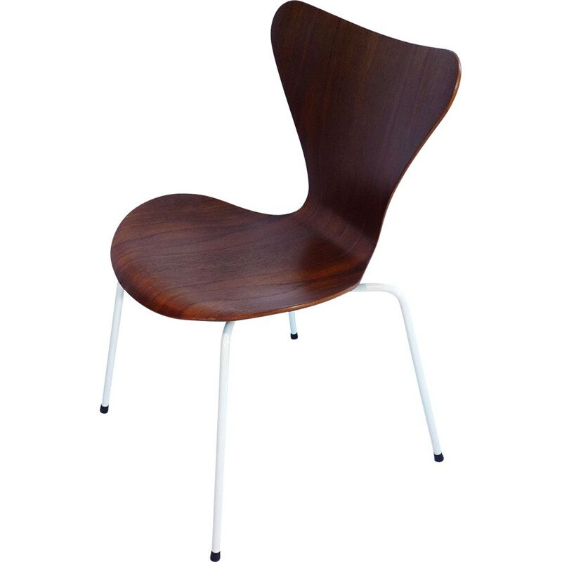 Set of 4 vintage Scandinavian chairs 3107 by Arne Jacobsen