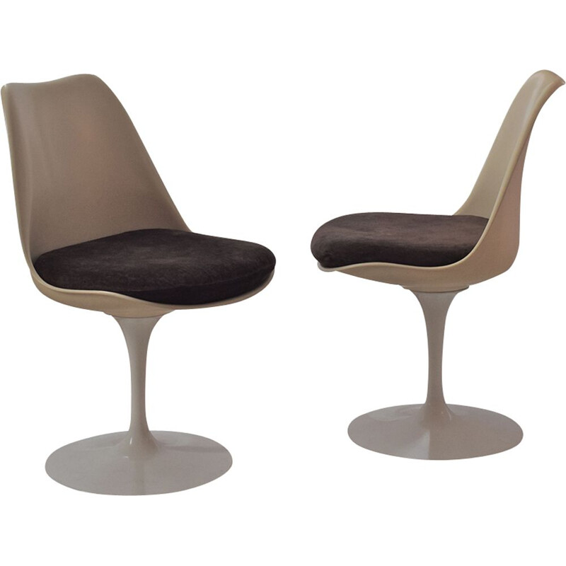 Pair of vintage brown Tulip of Eero Saarinen for Knoll chairs