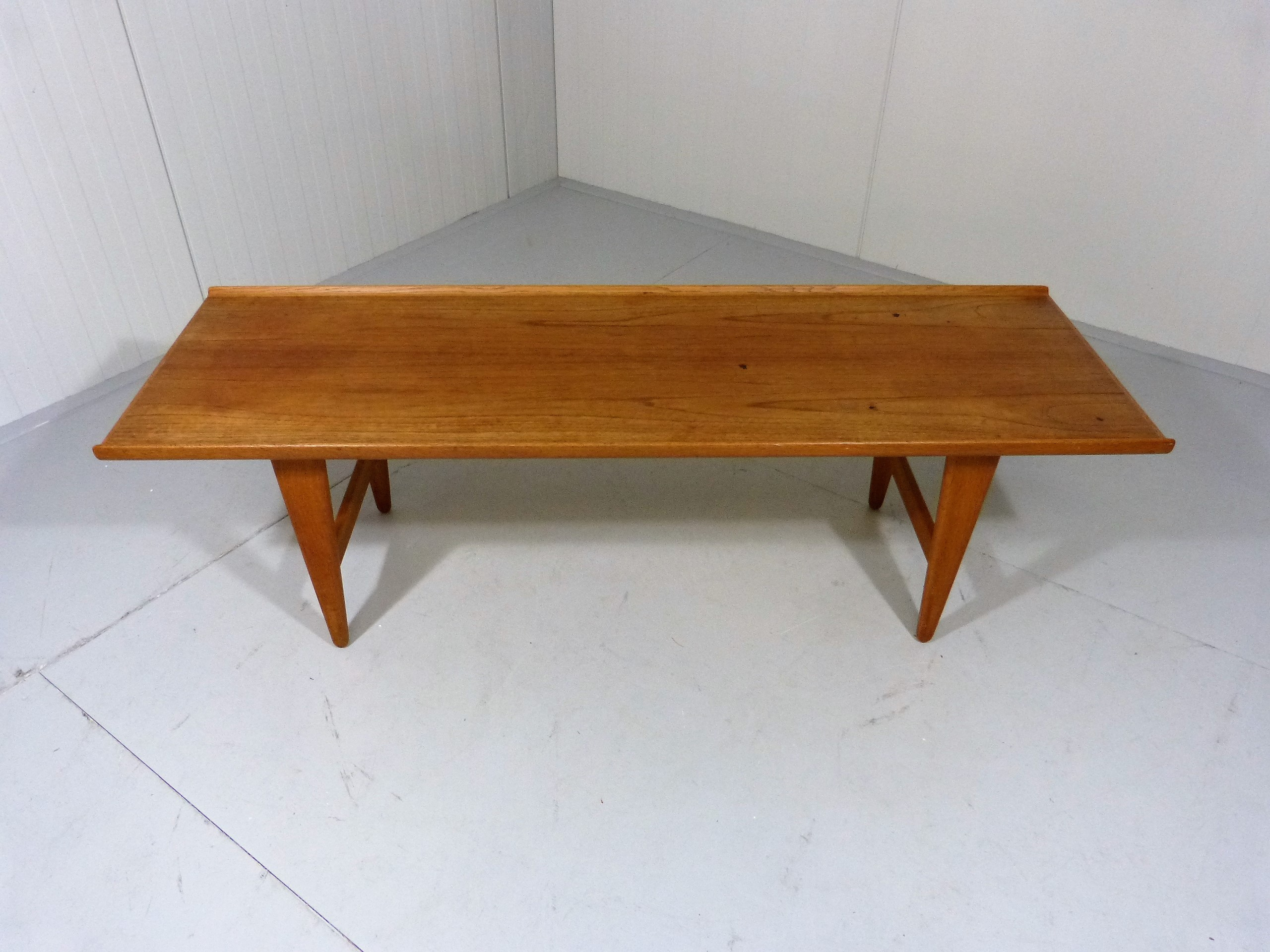 Coffee table in teak Svante SKOGH 1950s Design Market