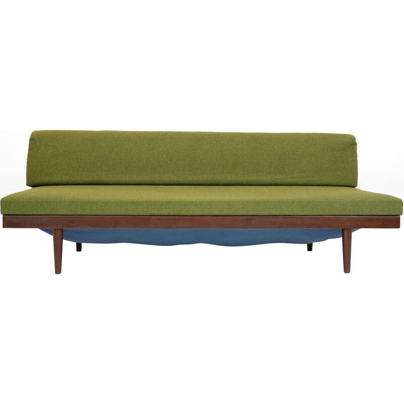 Vintage green daybed in teak